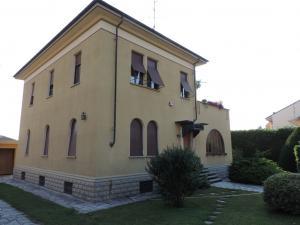Casa Indipendente in vendita - 390 mq