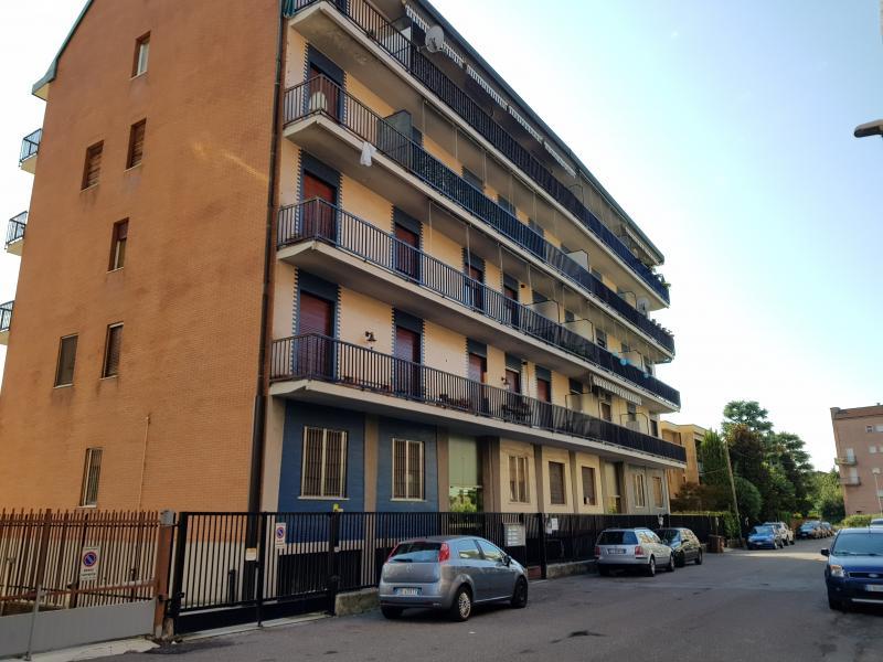 Vendita Trilocale Appartamento Magenta Via Volturno n. 14 91325