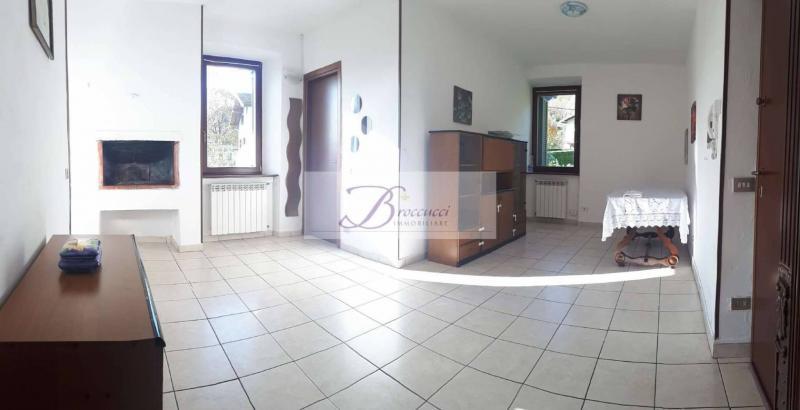 Vendita Bilocale Appartamento Bisuschio  105267