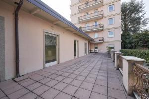 Ufficio diviso in ambienti/locali in affitto - 152 mq