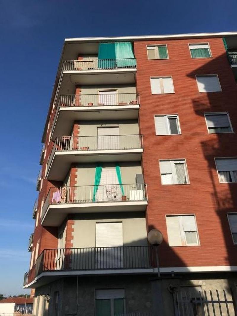 Vendita Trilocale Appartamento Chieri Via Avezzana 251509