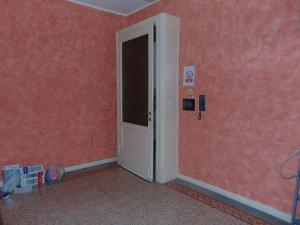Ufficio diviso in ambienti/locali in affitto - 140 mq