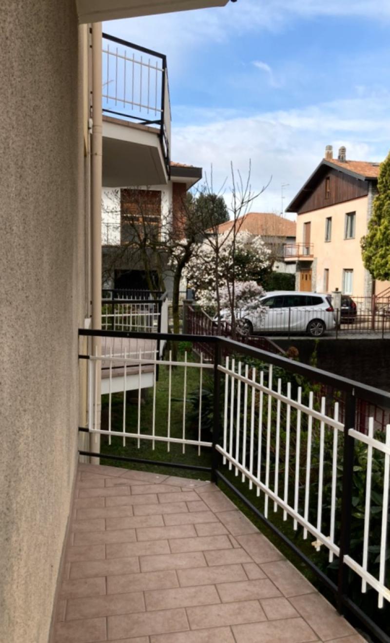 Vendita Trilocale Appartamento Arona Via Montello, 17 254569