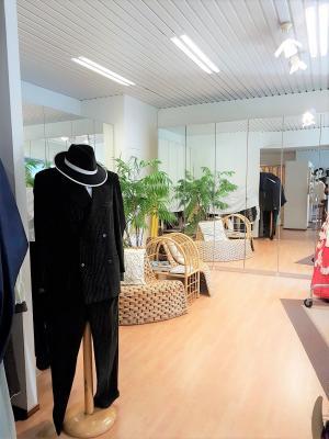 Abbigliamento Negozio in vendita - 105 mq