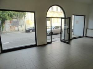 Ufficio diviso in ambienti/locali in affitto - 80 mq