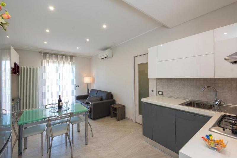 Vendita Bilocale Appartamento Arona Corso Liberazione 256206